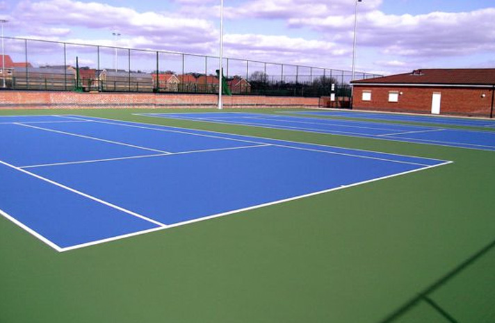Artificial tennis court